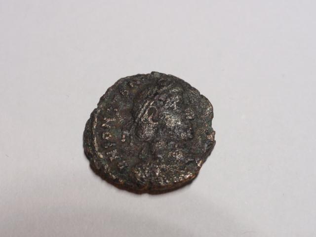 AE3 de Constancio II. FEL TEMP REPARATIO. Soldado alanceando jinete. Roma Dsc06913