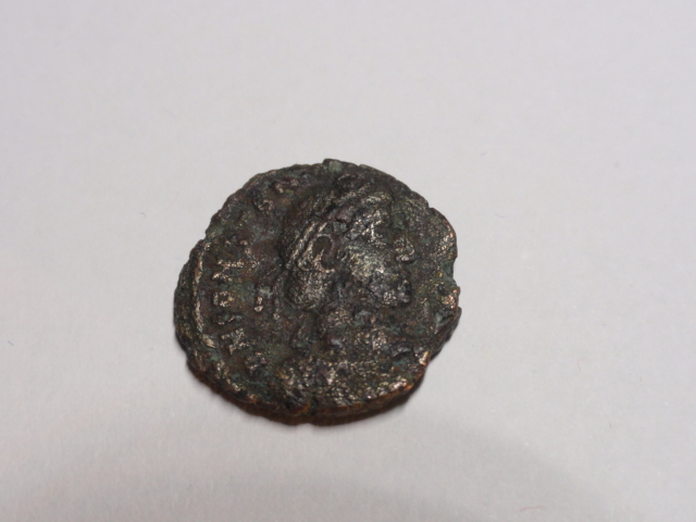 AE3 de Constancio II. FEL TEMP REPARATIO. Soldado alanceando jinete. Roma Dsc06914