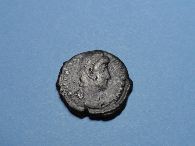 AE3 de Constancio II. FEL TEMP REPARATIO. Soldado alanceando jinete. Dsc07017