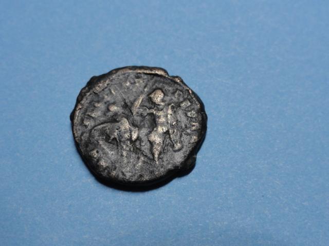 AE3 de Constancio II. FEL TEMP REPARATIO. Soldado alanceando jinete. Dsc07018
