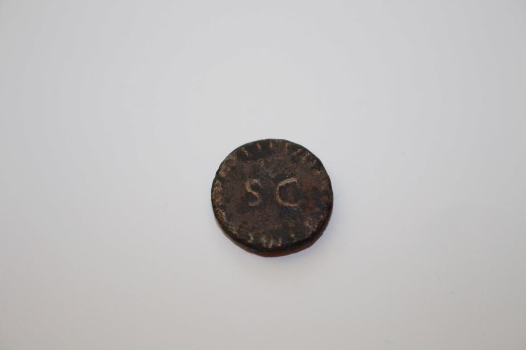Agradeceria informacion de esta  moneda, Gracias. Img_1116