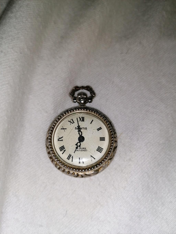 [Postez ICI les demandes d'IDENTIFICATION et RENSEIGNEMENTS de vos montres] - Page 37 15811511