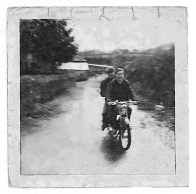Vos photo d'époque cyclo temps des yéyés garage  - Page 2 A_numz10