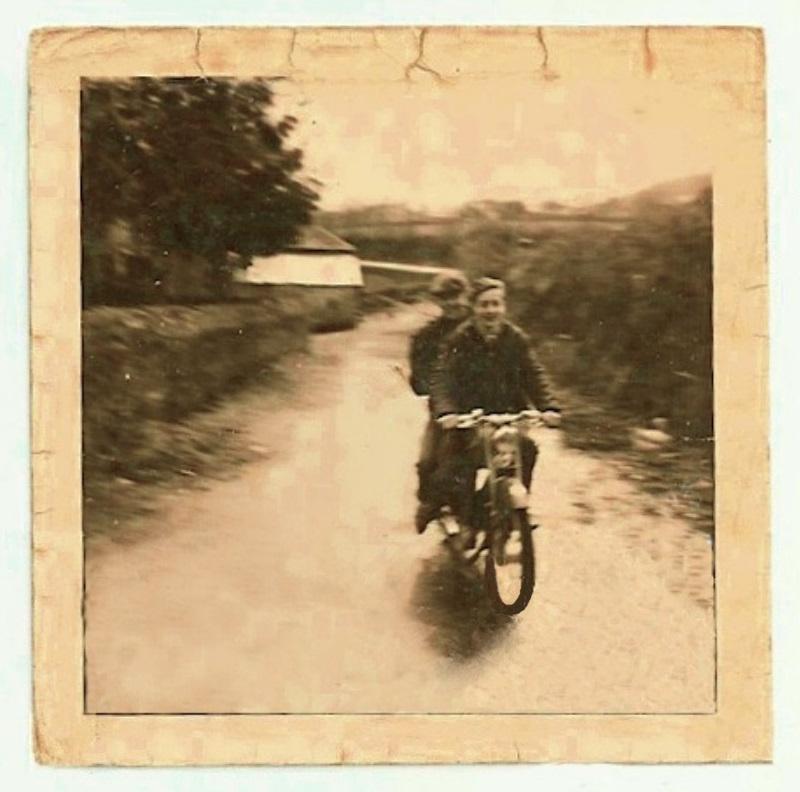Vos photo d'époque cyclo temps des yéyés garage  - Page 2 A_numz11
