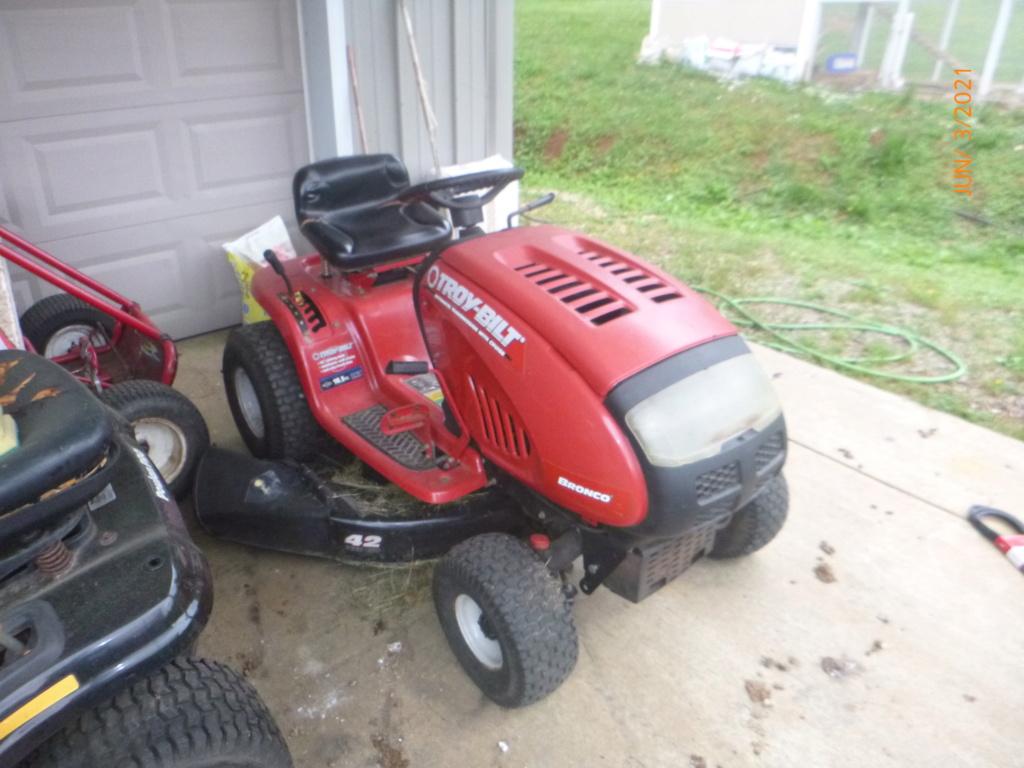 Murraymountain's Lawn Tractor Repairs 2021/2022 Season P1160437