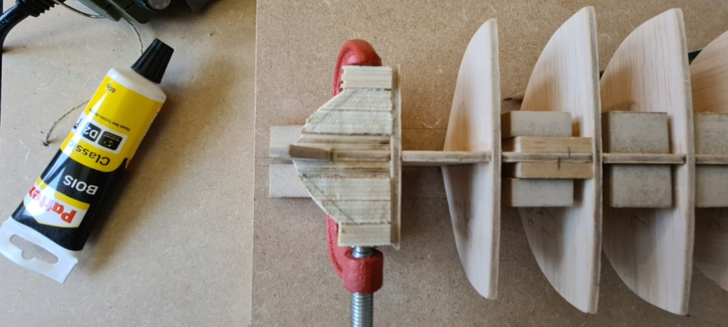 Enterprise 1799 suivis construction - Page 5 Apotre14