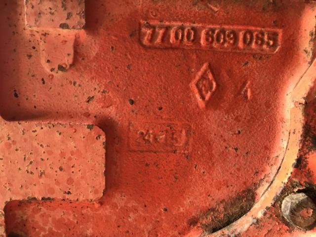 Chercher piéces R60 axe de relevage Image12