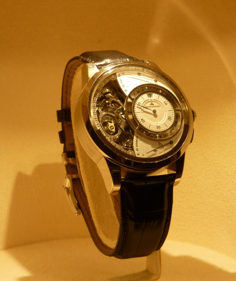 vacheron - COMPTE RENDU salon belles montres 2009 - Page 3 P1000516