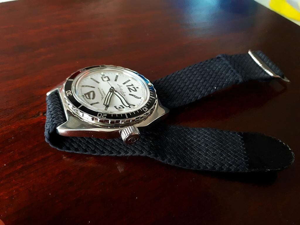 Vos montres russes customisées/modifiées - Page 7 Img_2010
