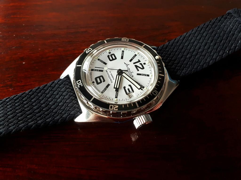 Vos montres russes customisées/modifiées - Page 7 Img_2011