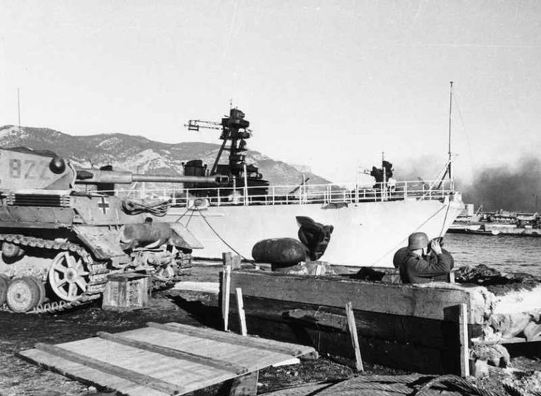 Panzer IV ausf g - Toulon novembre 1942 - saynète en cours 822_bi10