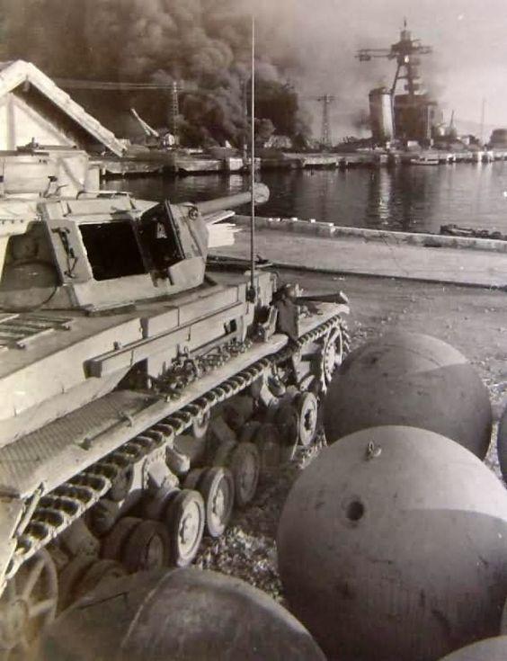 Panzer IV ausf g - Toulon novembre 1942 - saynète en cours 82310