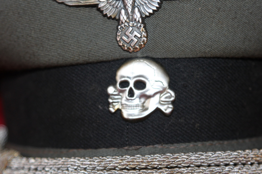 Casquette d'officier SS ? Img_6422