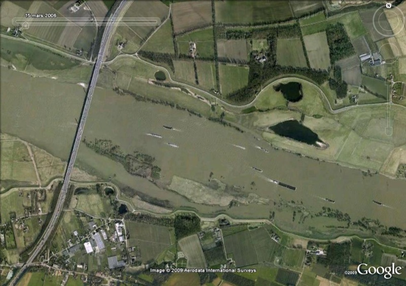 Crues et innondations observées dans Google Earth Rhin_210