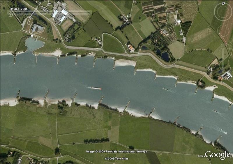Crues et innondations observées dans Google Earth Waal110