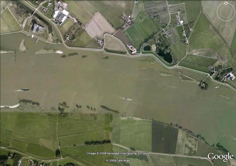 Crues et innondations observées dans Google Earth Waal210
