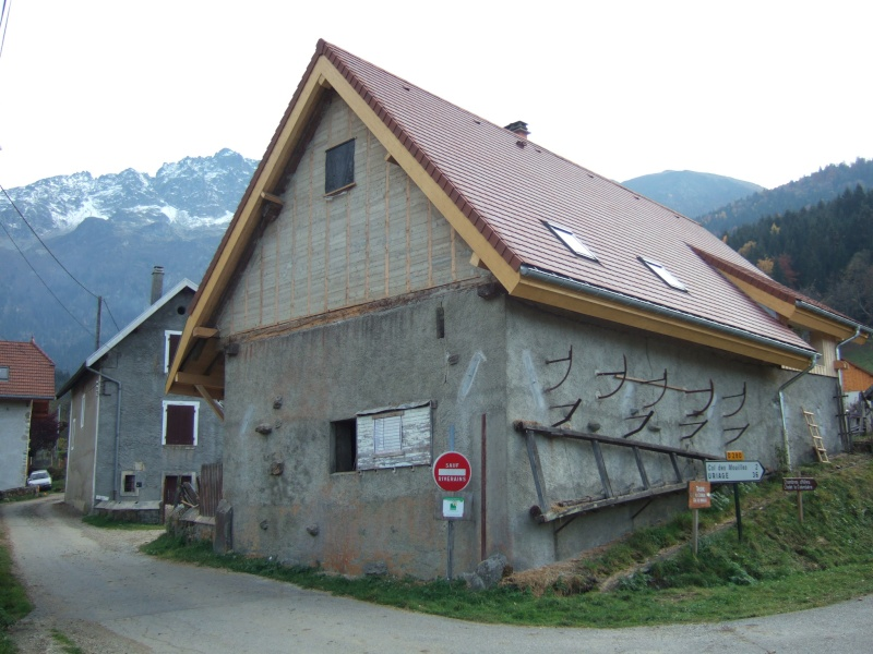 bardage bois sur construction paille tech  GREB Dscf5810