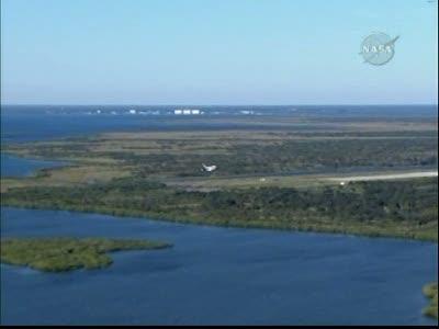 [STS-129] Atlantis : retour sur Terre 27/11/2009 - Page 2 Vlcsna45
