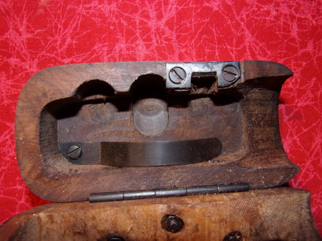 Crosse bois Mauser C96 AVIS   120_0023