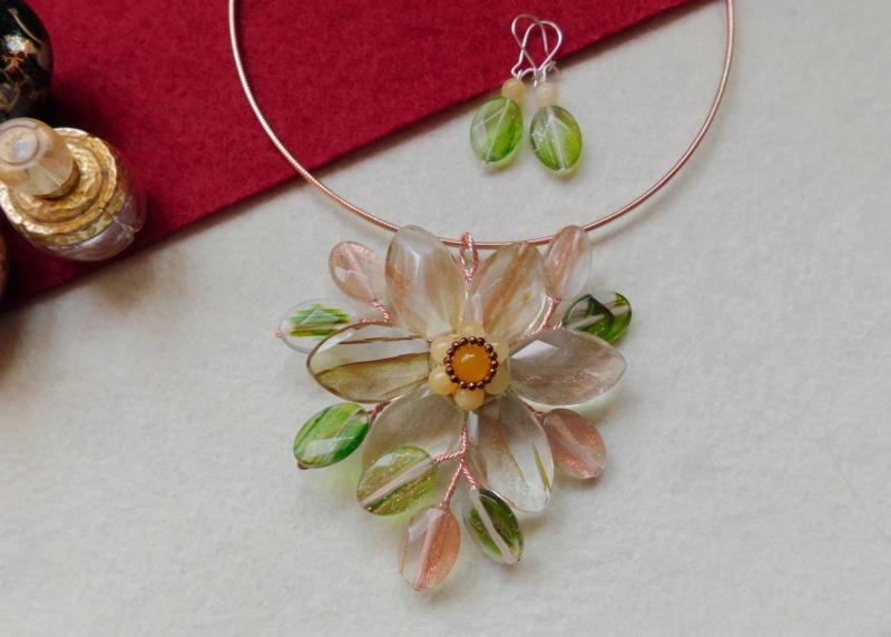 """""""Flori de piatră-Bijoux"""" albumul II-bijuterii artizanale marca Didina Sava - Pagina 5 Colier27"""