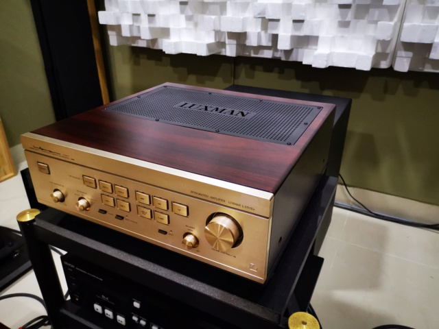 Luxman Flagship L-570X Class A Integrated Amplifier (Used) SOLD Img_2154