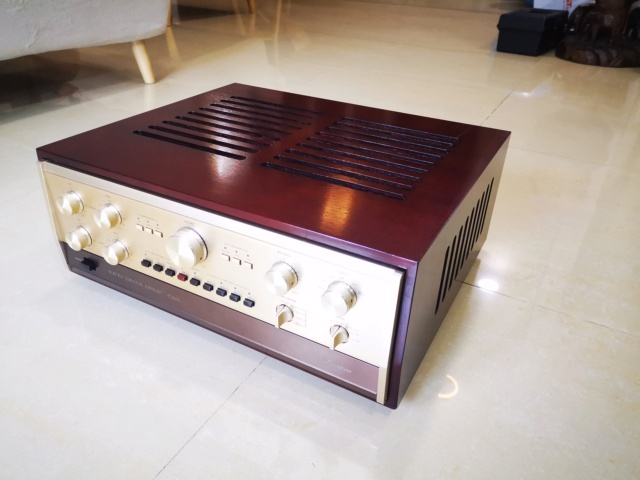 Accuphase Classic C-200L + P-300L Pre/Power Amplifier (Used) Img_2205
