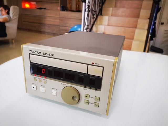 Tascam CD-601MKI Studio Broadcast CD Player (Used) Img_2209