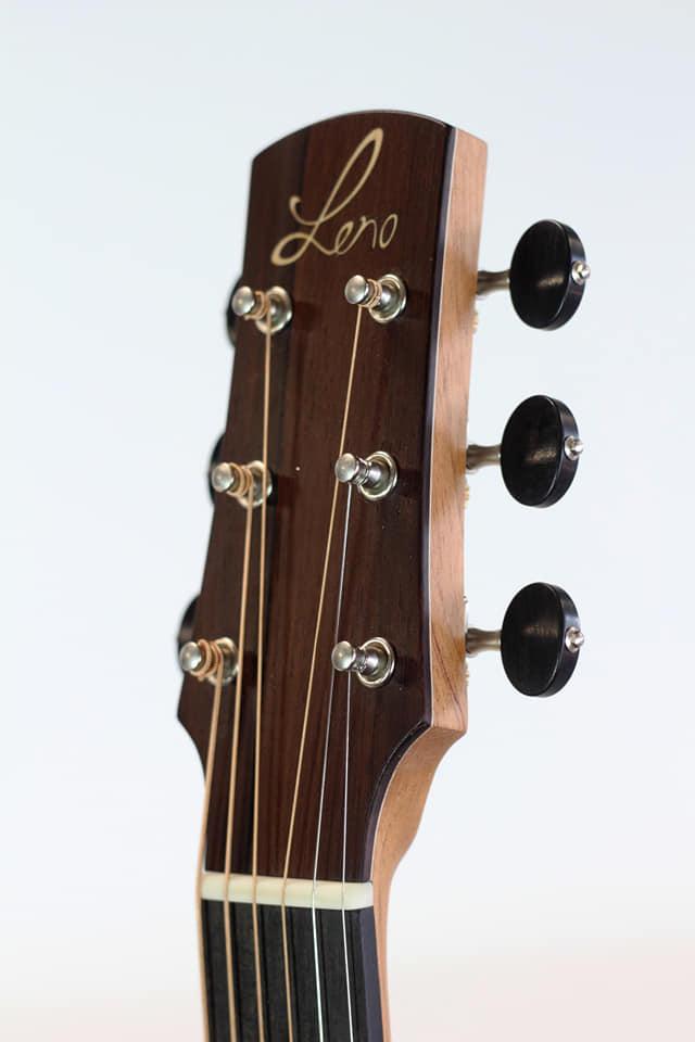 parlor du luthier espagnol David solé VENDUE - Page 4 Img_1711