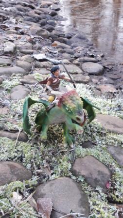 SCHLEICH : mes chevaux, mes dragons et autres figurines 20181292