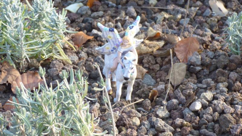 SCHLEICH : mes chevaux, mes dragons et autres figurines P1250740