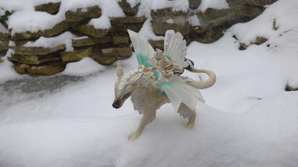 SCHLEICH : mes chevaux, mes dragons et autres figurines P1260155