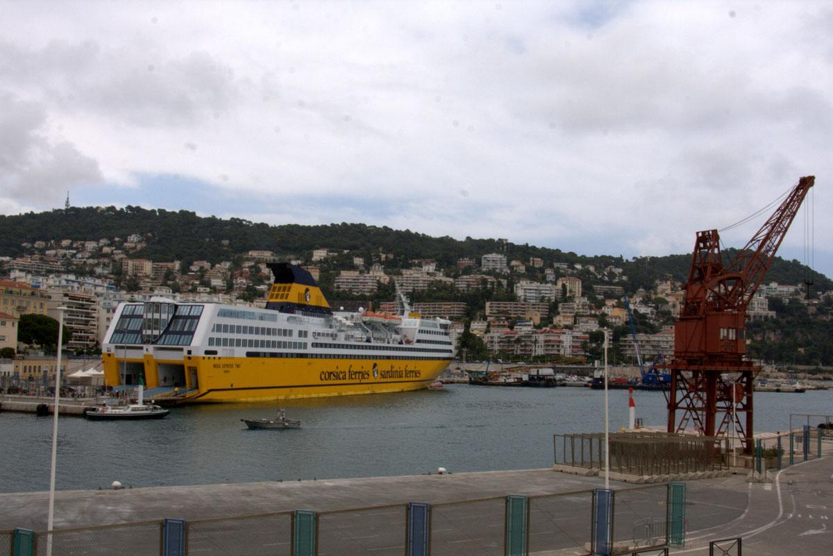 [Vie des ports] Le Port de Nice - Page 3 Port_d10