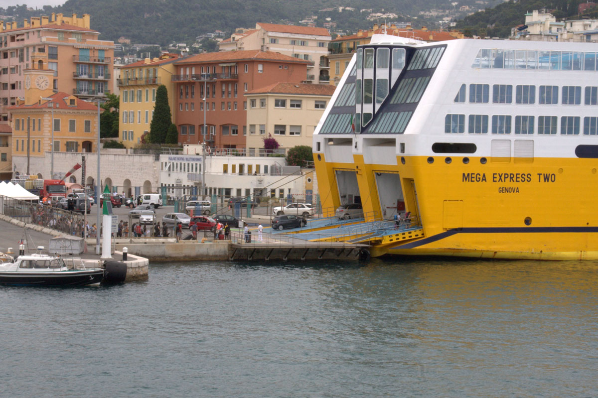 [Vie des ports] Le Port de Nice - Page 3 Port_d11