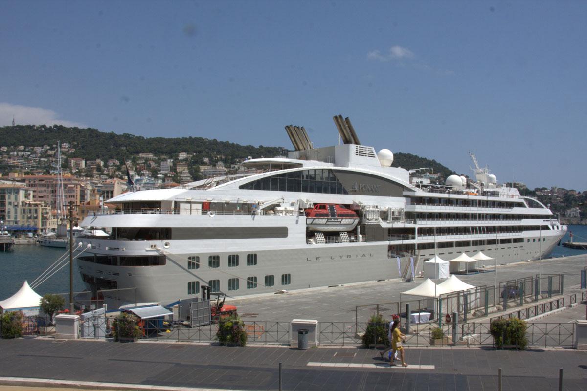 [Vie des ports] Le Port de Nice - Page 3 Port_d13