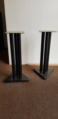 Used speakers stand 20190834