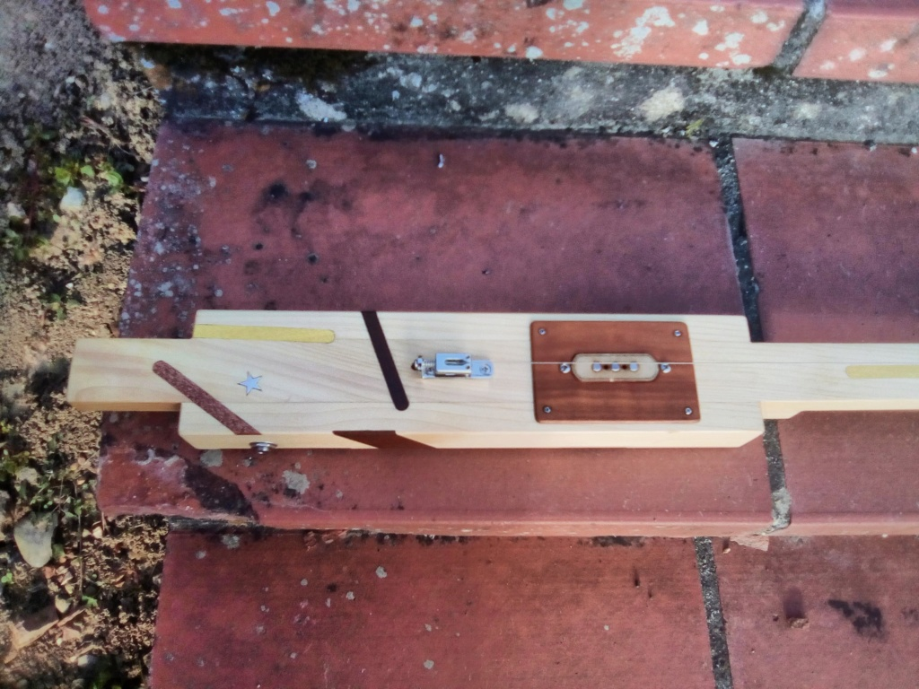 Prototype Diddley Bow 000 Img_2014