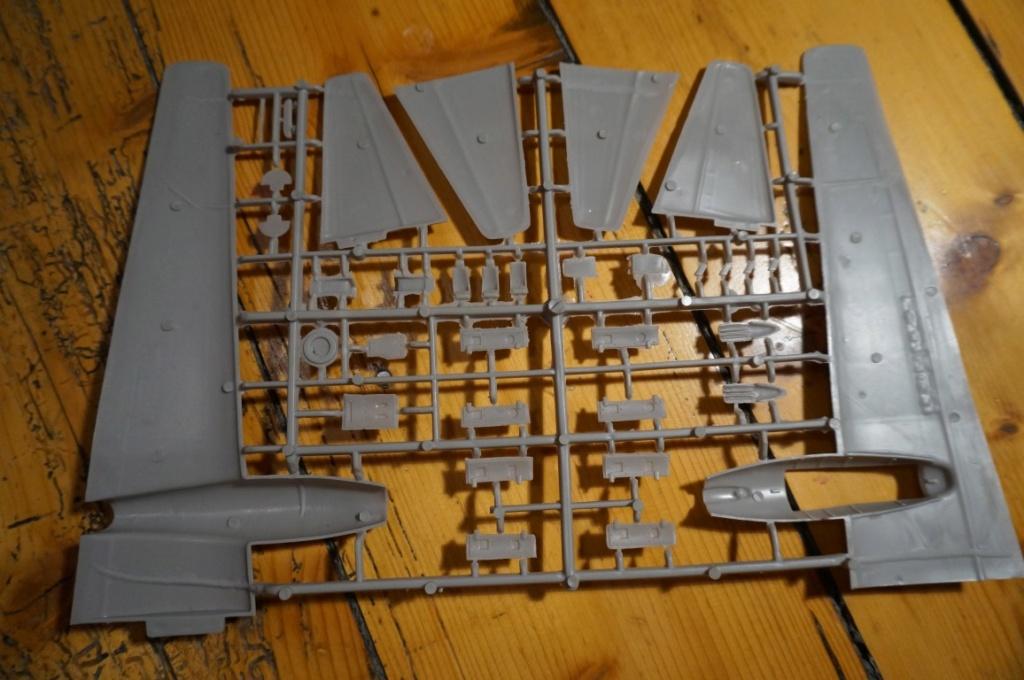 Je déstocke Maquettes 1/72 et 1/48   Dsc06411