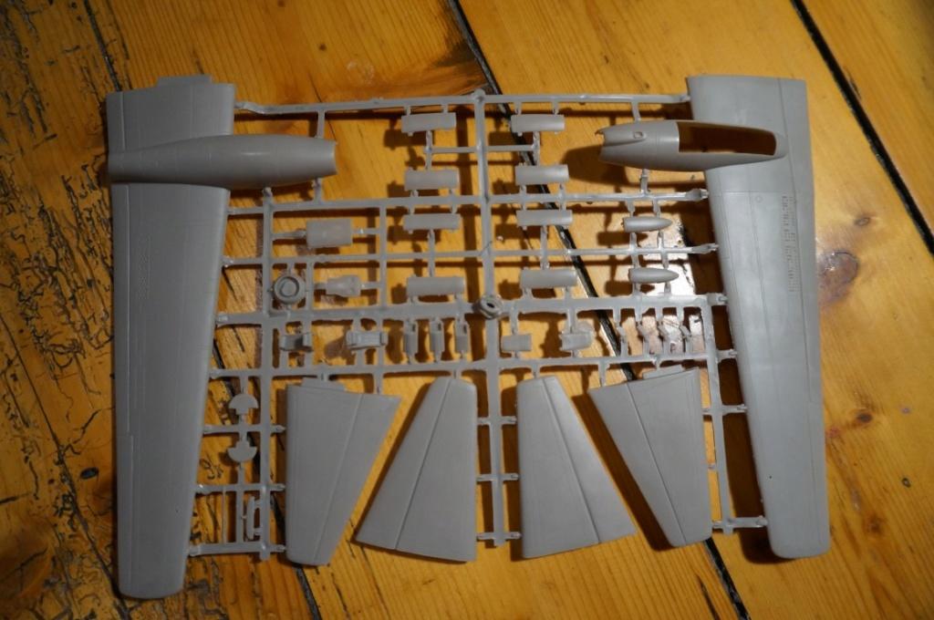 Je déstocke Maquettes 1/72 et 1/48   Dsc06412