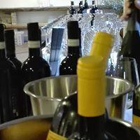 wine - Country & Wine. Aperiviniamo nell'oliveta Vini10