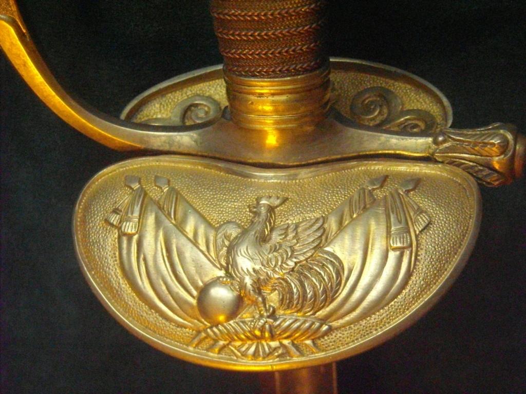 Deux épées d'un officier supérieur de la Garde nationale Dscn0112