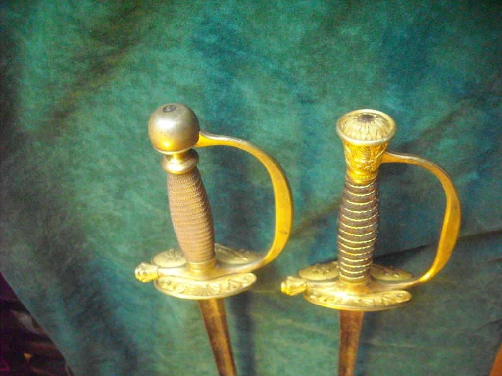 Deux épées d'un officier supérieur de la Garde nationale Dscn0115
