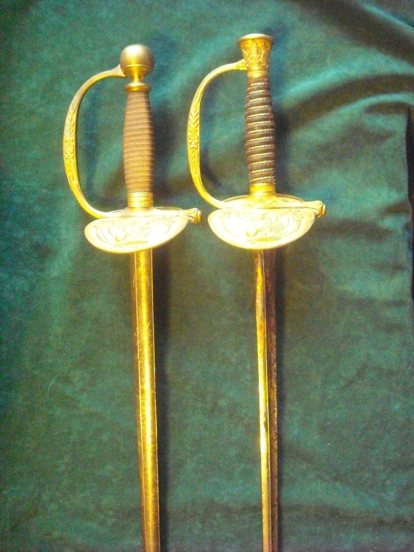 Deux épées d'un officier supérieur de la Garde nationale Dscn0116
