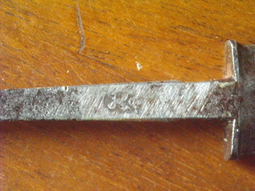 Épée d'un officier supérieur modèle en 1767 Dscn0214