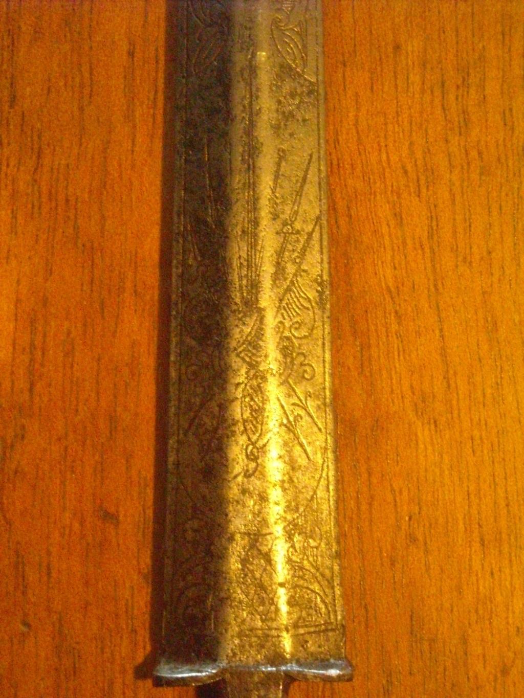 Épée d'un officier supérieur modèle en 1767 Dscn0323