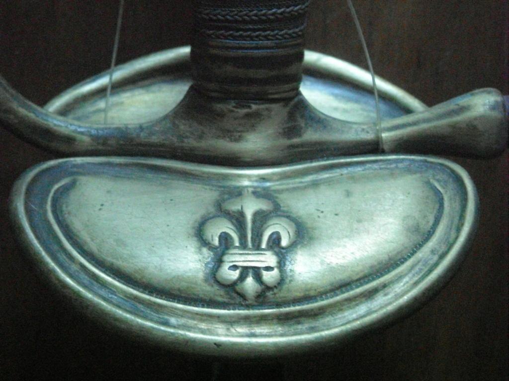 Le point sur les épées  de gendarmerie : épées d'officier Dscn2122