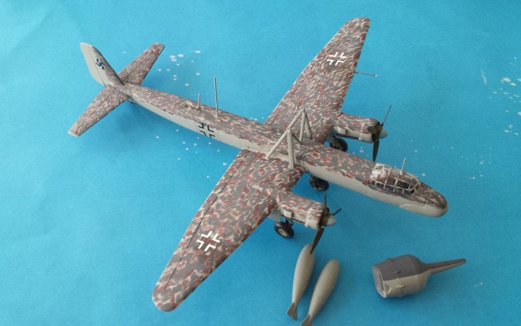 [AMtech] - Ju-88H-3 Mistel 4-4 Fuhrungdmachine + FW 190 F-8 Revell 20181135