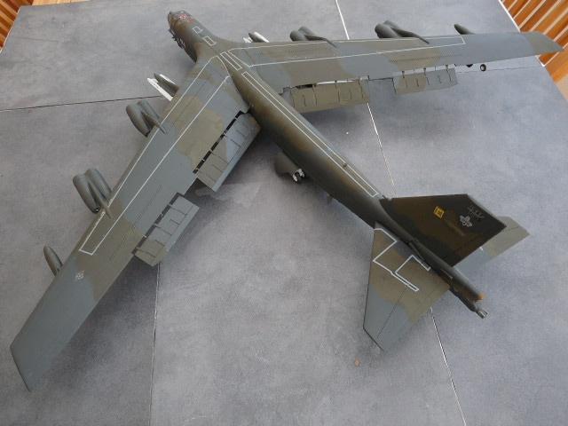 [Revell] Heinkel He 177 A-5 + Fritz X P1020385