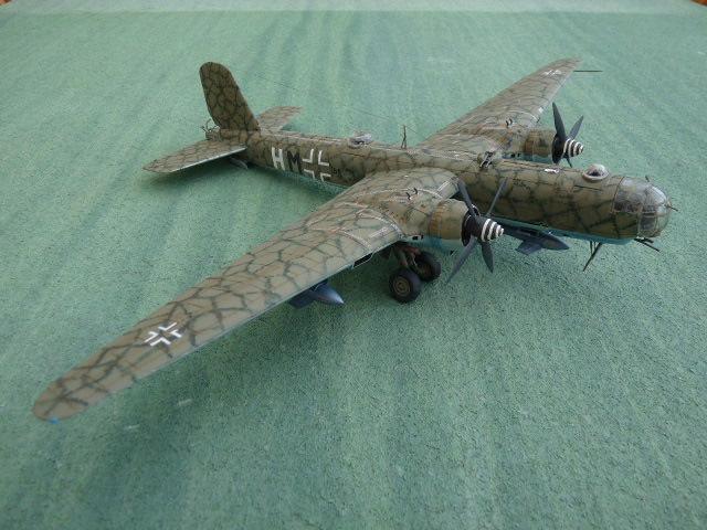 [Revell] Heinkel He 177 A-5 + Fritz X P1030118