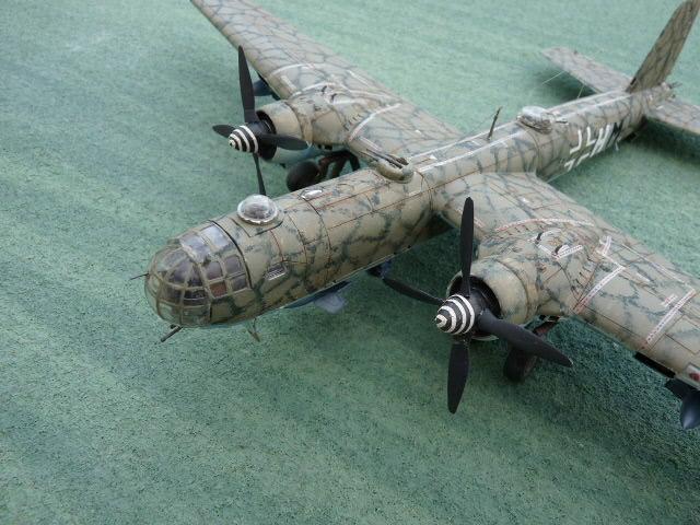 [Revell] Heinkel He 177 A-5 + Fritz X P1030120