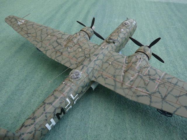 [Revell] Heinkel He 177 A-5 + Fritz X P1030121
